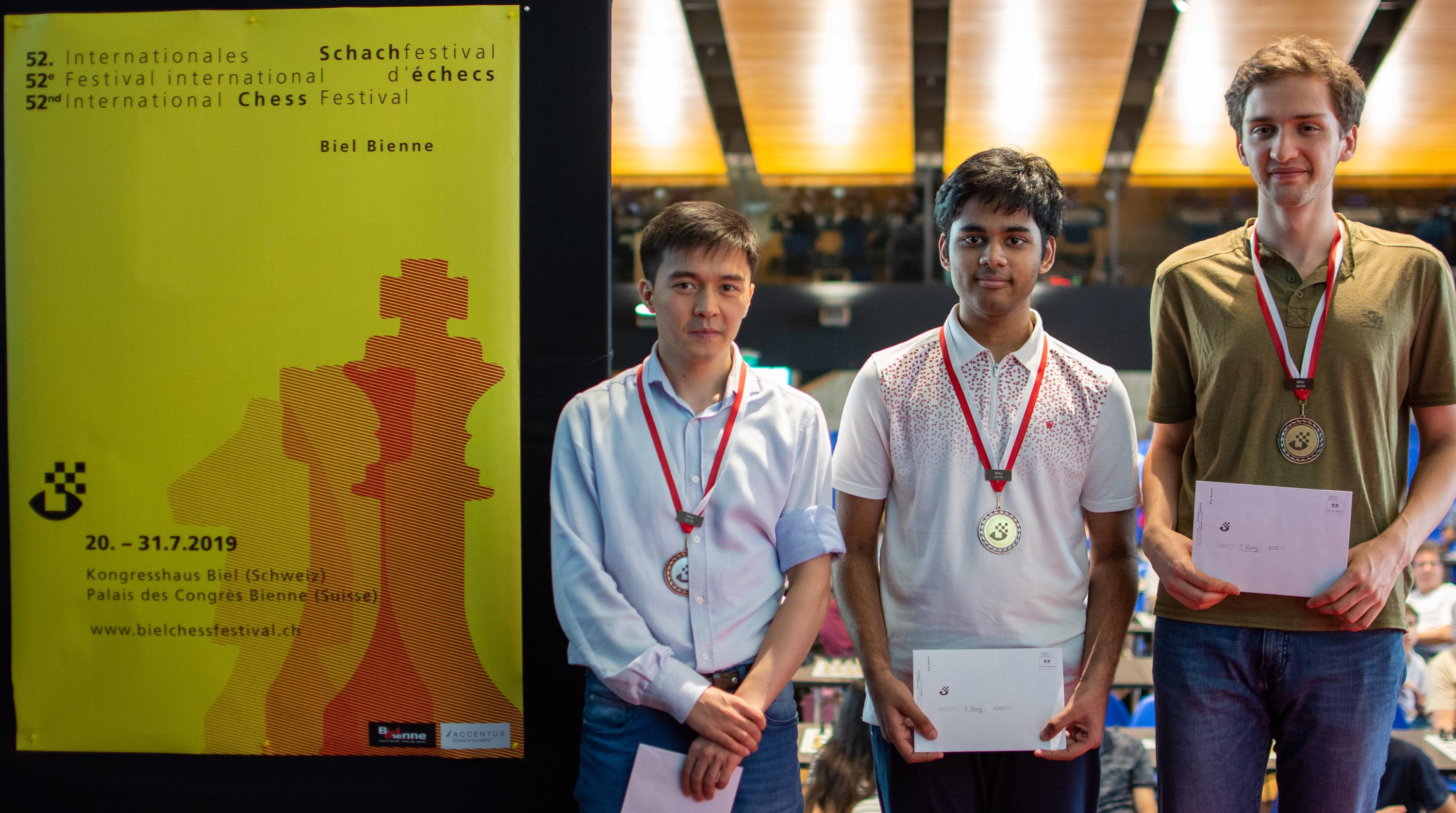 Image Podium Blitz Tournament- (from the left)  GM Jumabayev Rinat (2nd KAZ, 2490), GM Erigaisi Arjun (1st IND, 2494), GM Donchenko Alexander (3nd GER, 2613)
