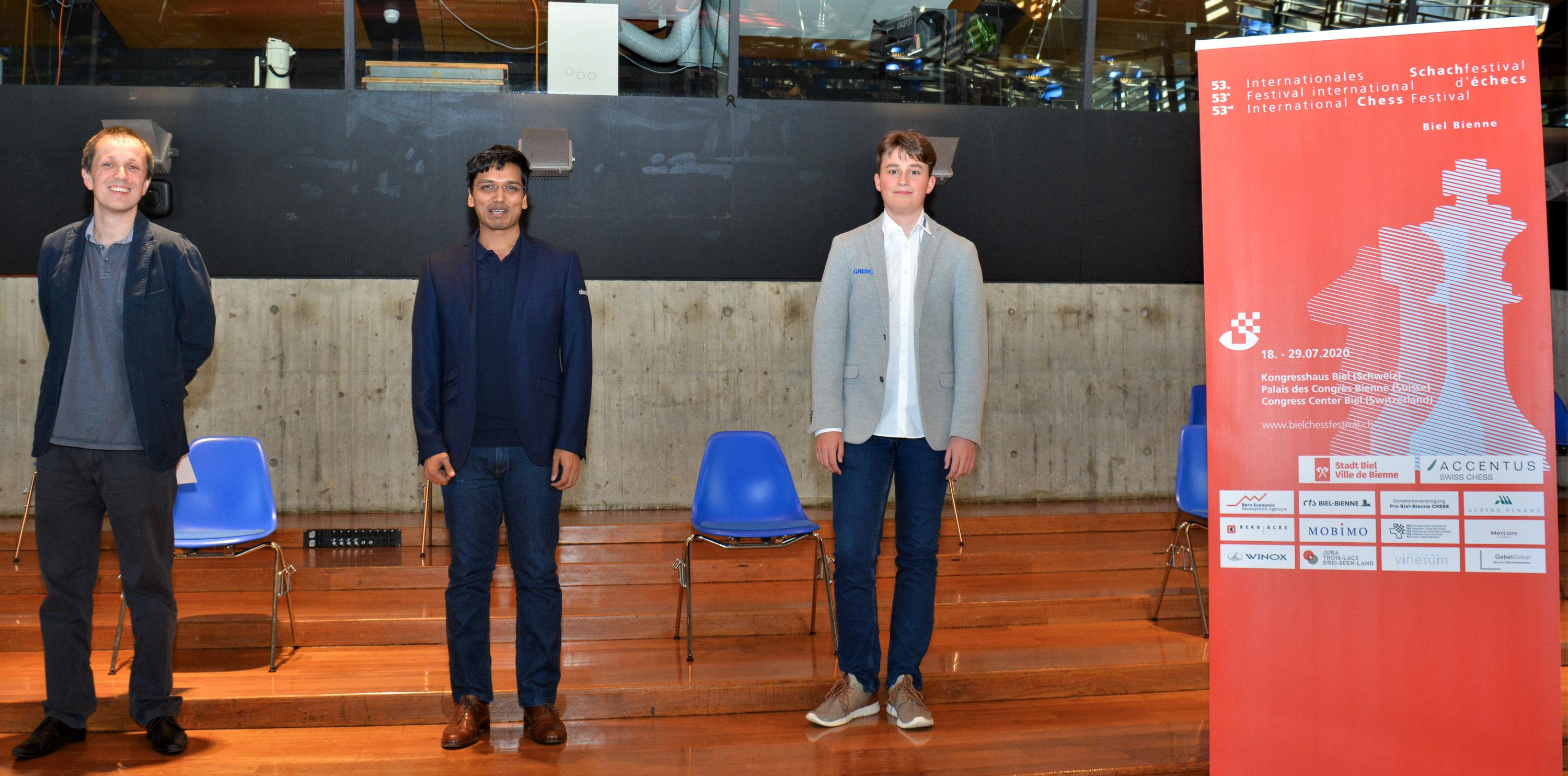 Image The winners of the Accentus Chess960: Pentala Harikrishna (middle), Vincent Keymer (right) and Radoslaw Wojtaszek (left)